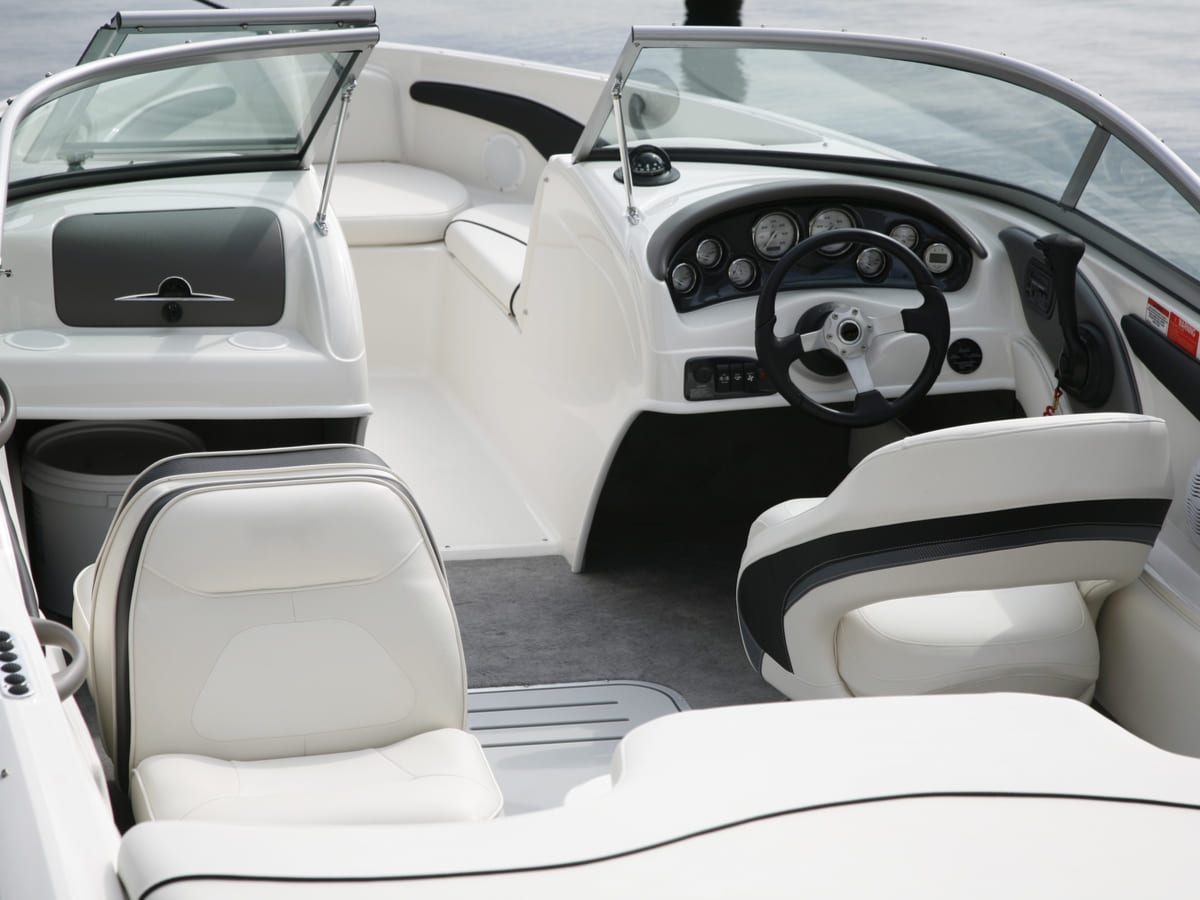 how to clean white vinyl boat seats